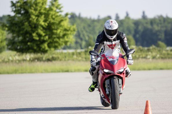 1501179276-bosch-2wp-motorcycle-stabiliy-control-008